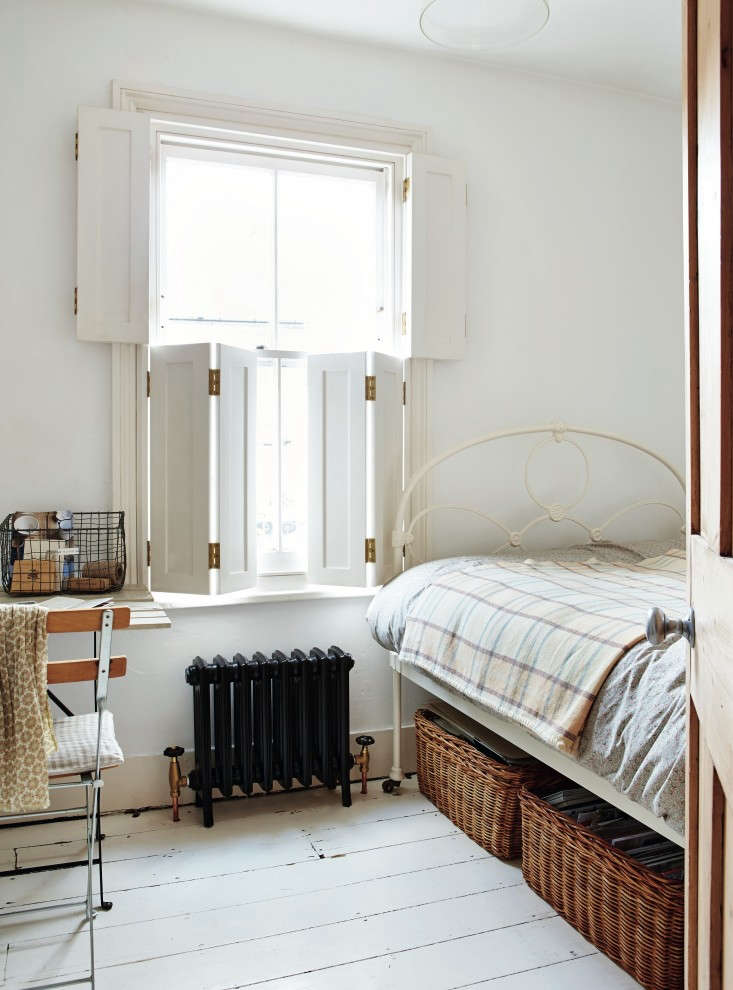 Required-Reading-Beautifully-Small-Sara-Emslie-Rachel-Whiting-Remodelista-05