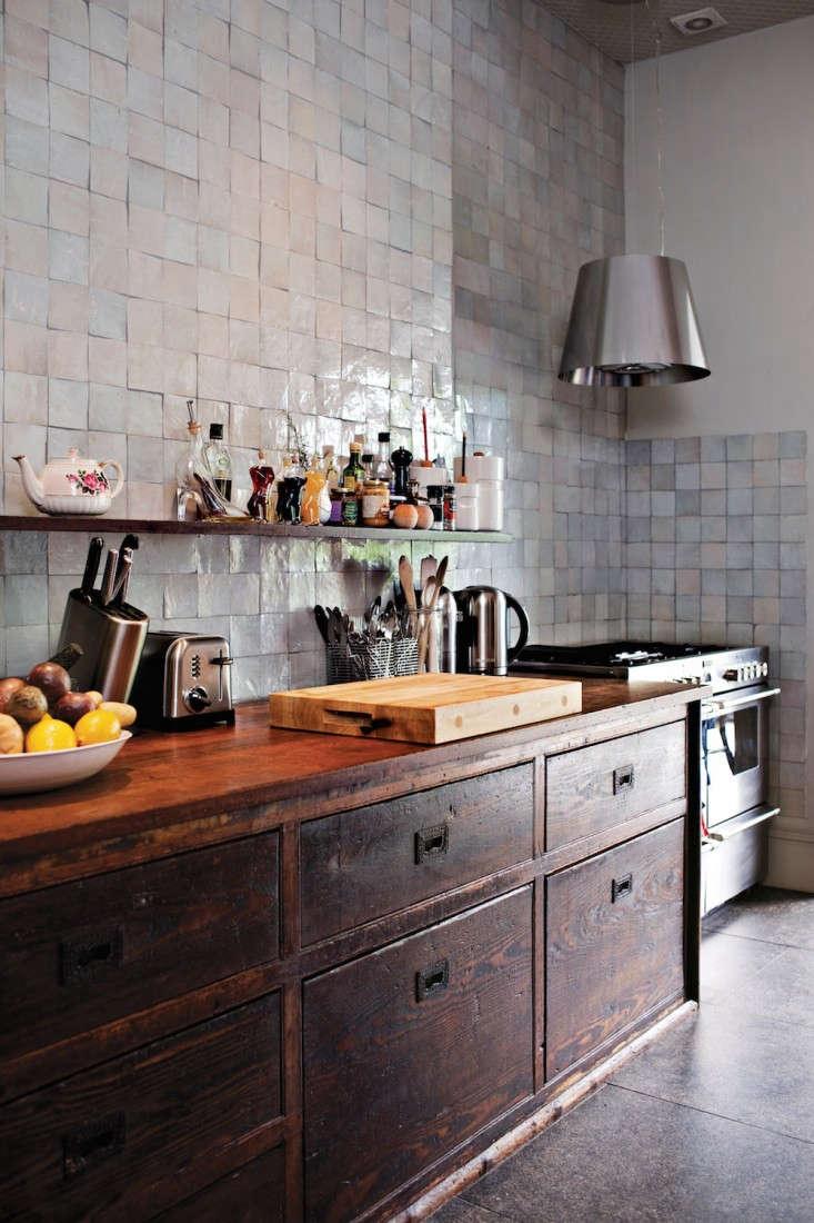Roddick-House-Tile-Makes-the-Room-Remodelista
