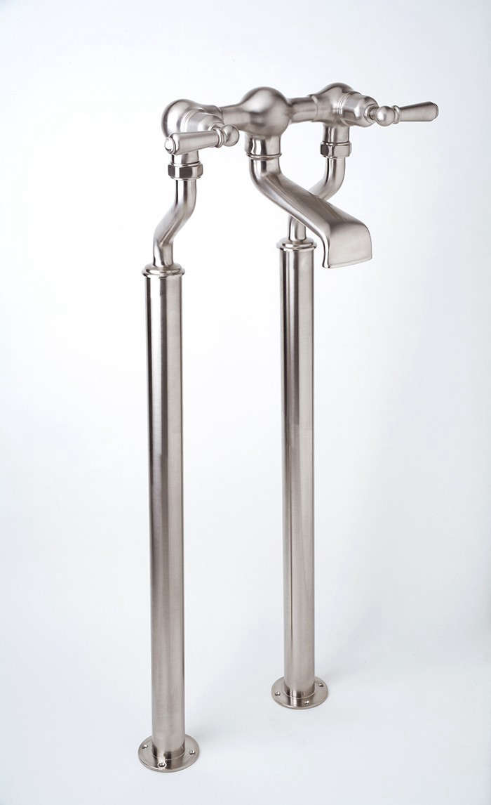 Rohl-Perrin-Rowe-Floor-Mount-Tub-Filler-Levers-Remodelista