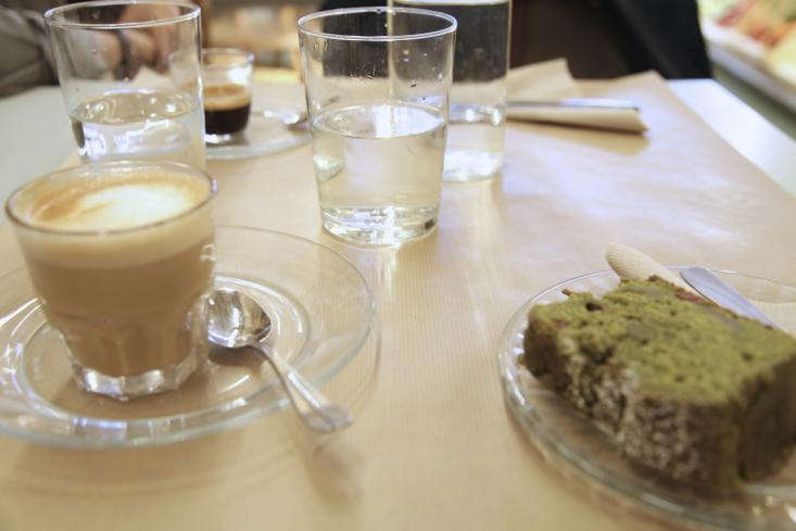 Rose-Bakery-Marais-Tea-Cake