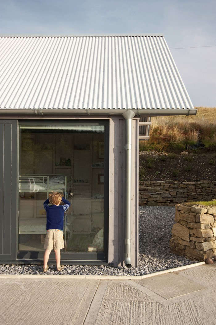 Rural-Office-for-Architecture- New-Barn-Exterior-Wales-Remodelista-05