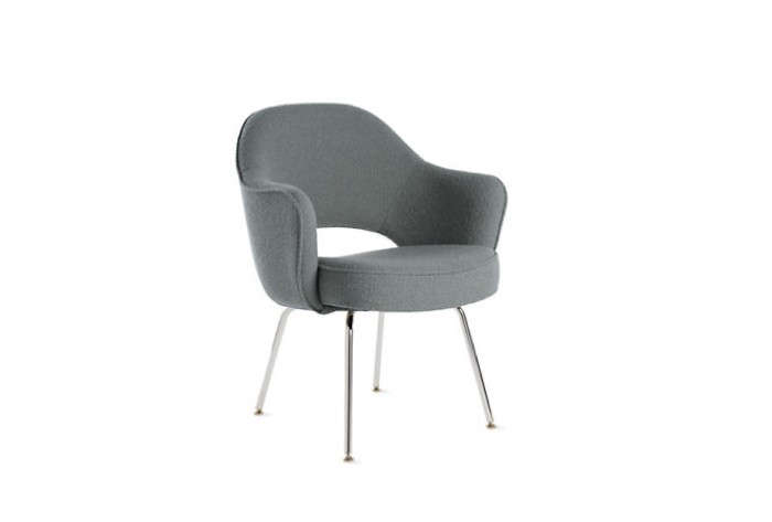 Saarinen-Executive-Armchair-with-Metal-Legs