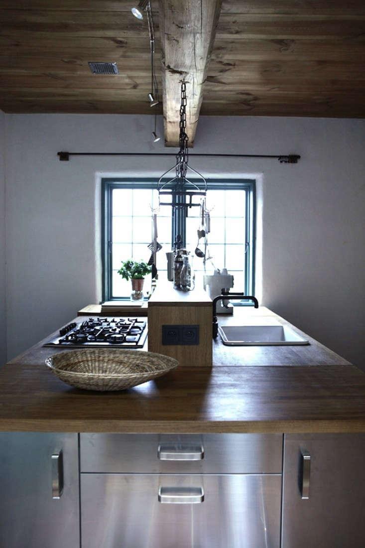 Salvinia-Lodge-Kitchen-Remodelista