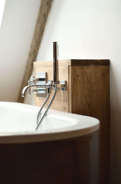 Salvinia-Lodge-Modern-Bath-Remodelista-01