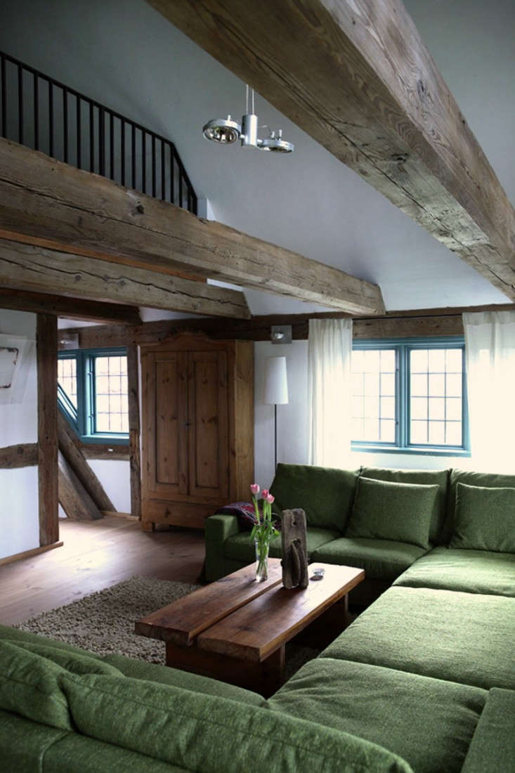 Salvinia-Lodge-Modern-Common-Area-Remodelista-02