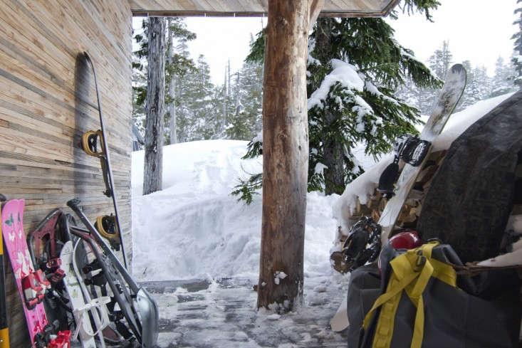 Scott-and-Scott-Architects-Alpine-Cabin-Canada-Remodelista-05