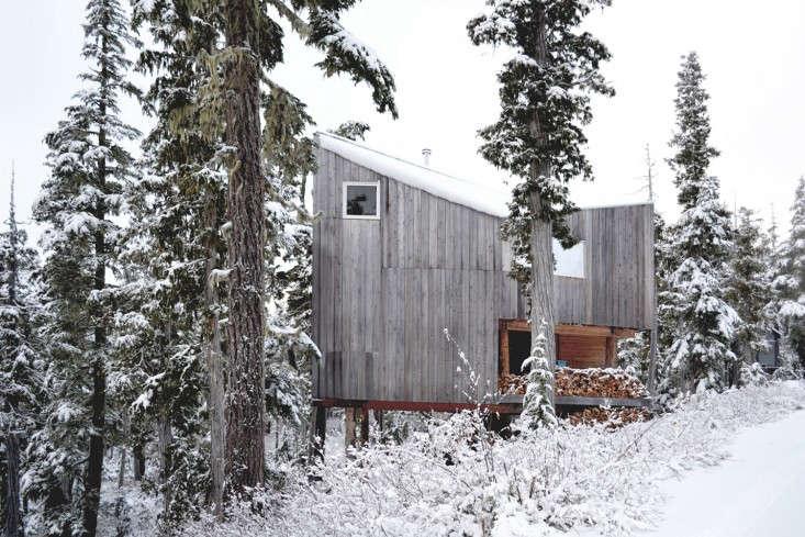 Scott-and-Scott-Architects-Alpine-Cabin-Canada-Remodelista-08