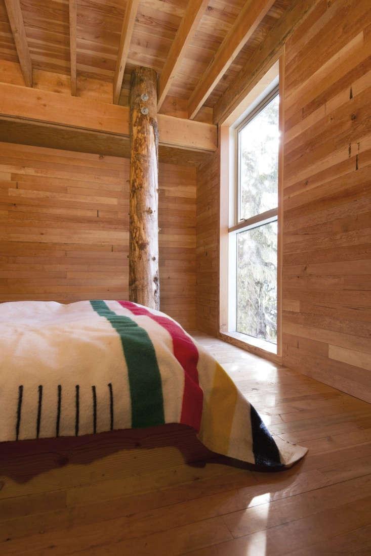 Scott-and-Scott-Architects-Alpine-Cabin-Canada-Remodelista-12