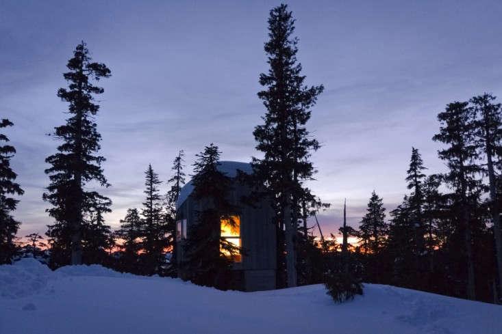 Scott-and-Scott-Architects-Alpine-Cabin-Canada-Remodelista-14