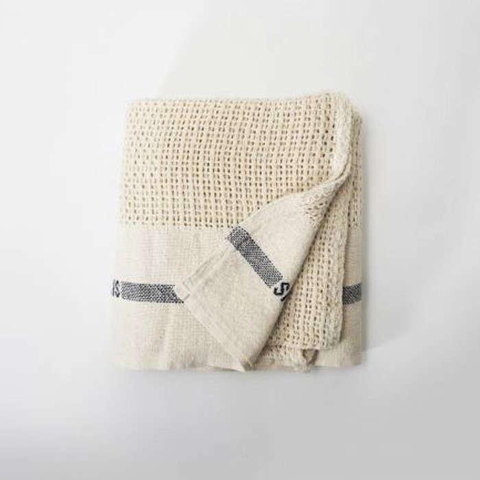 Senovinis-Fog-Linen-Cotton-Blanket-Remodelista