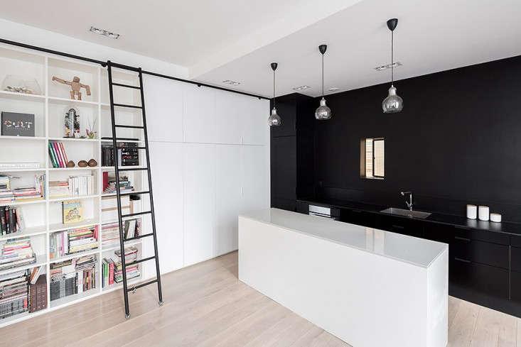 Septembre-Kabinett-Paris-Loft-Photos-Maris-Mezulis-Remodelista-04