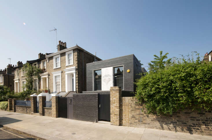 Shadow-House-Architecture-Project-Remodelista-04