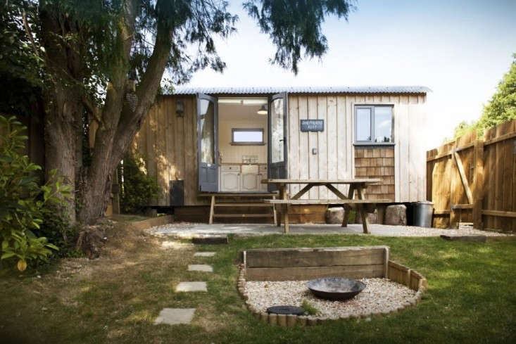 Shepherd's-Hut-Retreat-Somerset-Remodelista-04