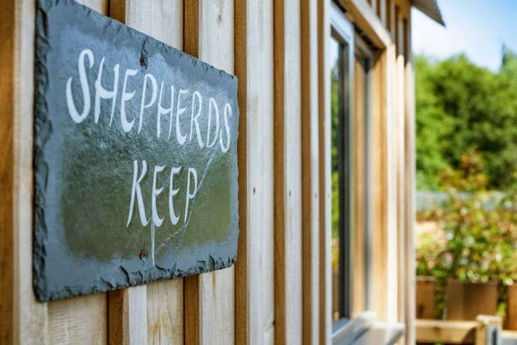 Shepherd's-Hut-Retreat-Somerset-Remodelista-07