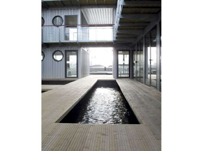 Shipping-Container-Pools
