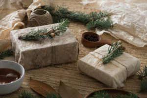 Simone LeBlanc Holiday Gift Wrap DIY | Remodelista