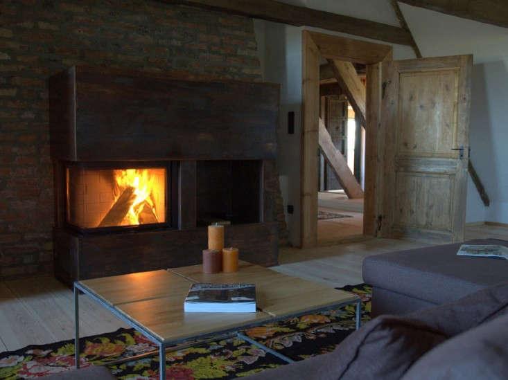 Slavinia-Lodge-Living-Room-Remodelista