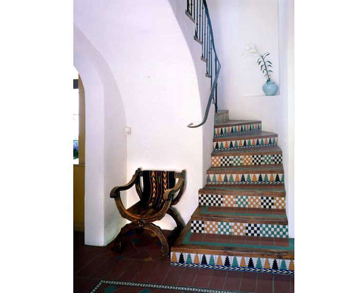 Spanish-Style-Stair-Risers-06