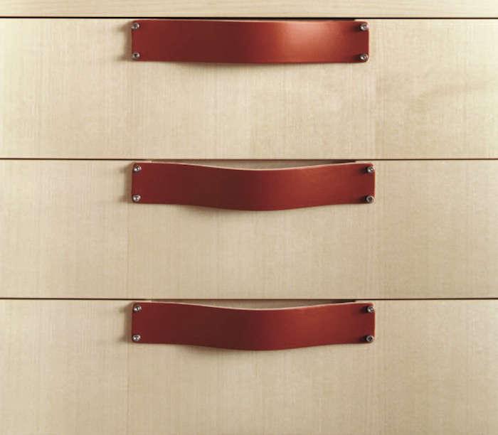 Spineybeck-Leather-Pulls