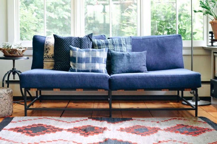 Stephen-Kenn-sofa-at-Frank-Muytjens-weekend-house-via-Trnk-Remodelista