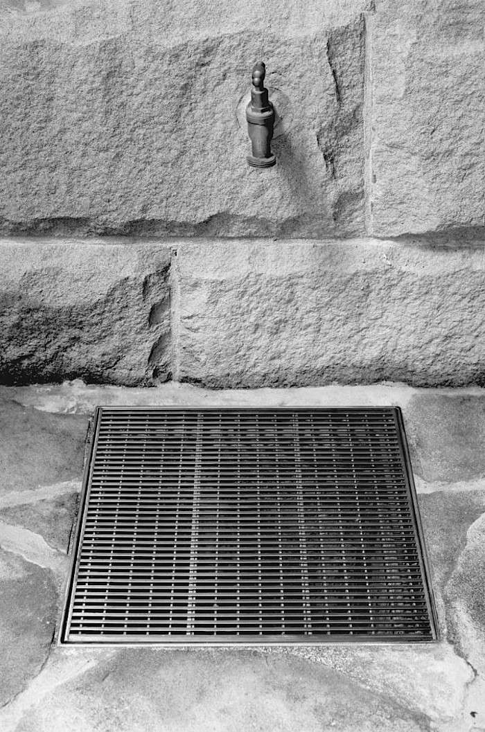 Stormtech-outdoor-square-drain