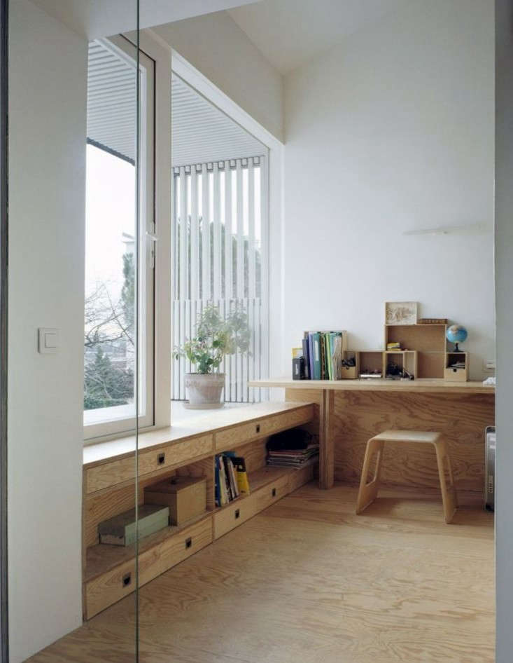 Suspended-Room-Addition-Gentilly-France-NeM-Architectes-Remodelista-5