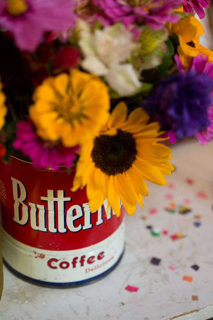 Swanson-flowers-in-coffee-tin