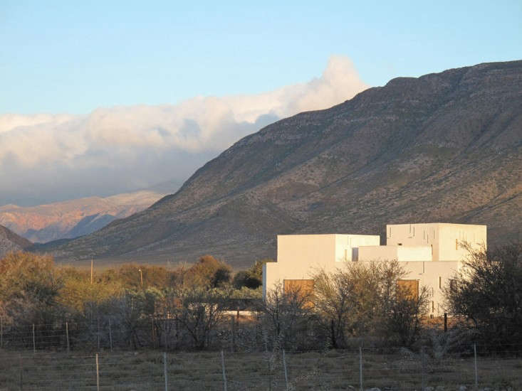 Swartberg-House-by-Openstudio-Architects-Great-Karoo-South-Africa-Remodelista-06