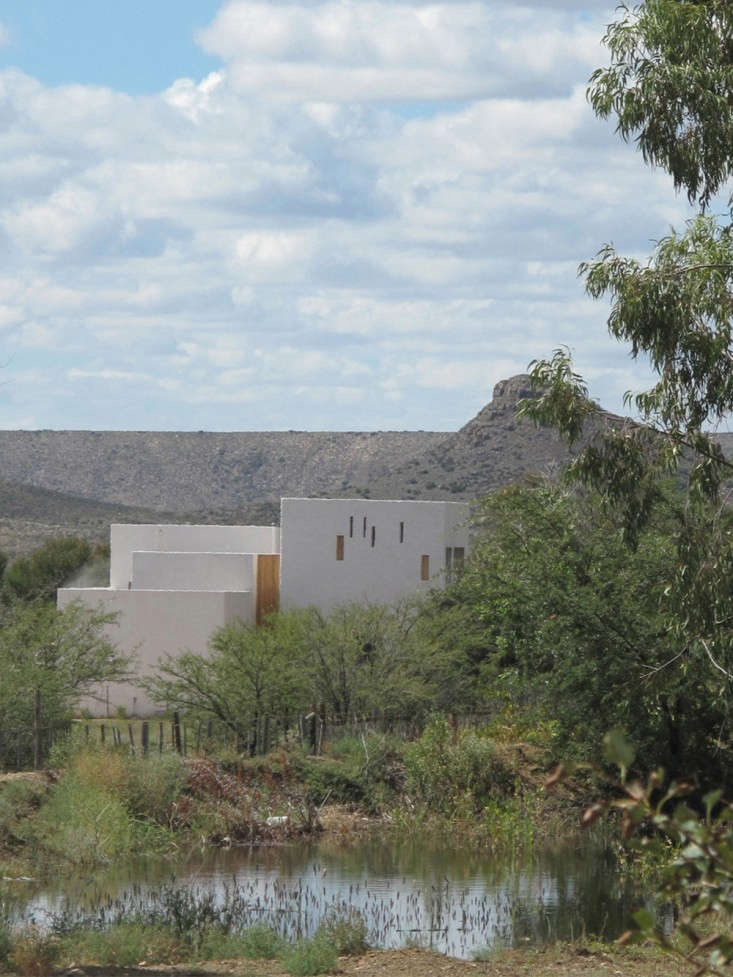 Swartberg-House-by-Openstudio-Architects-Great-Karoo-South-Africa-Remodelista-08