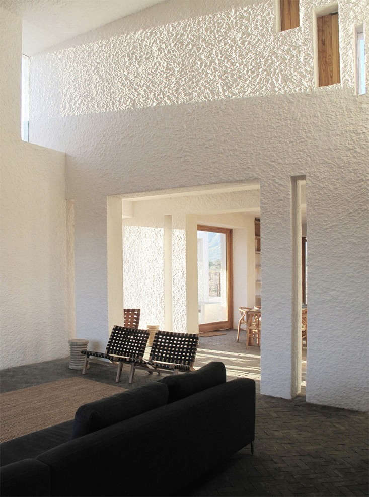 Swartberg-House-by-Openstudio-Architects-Great-Karoo-South-Africa-Remodelista-14