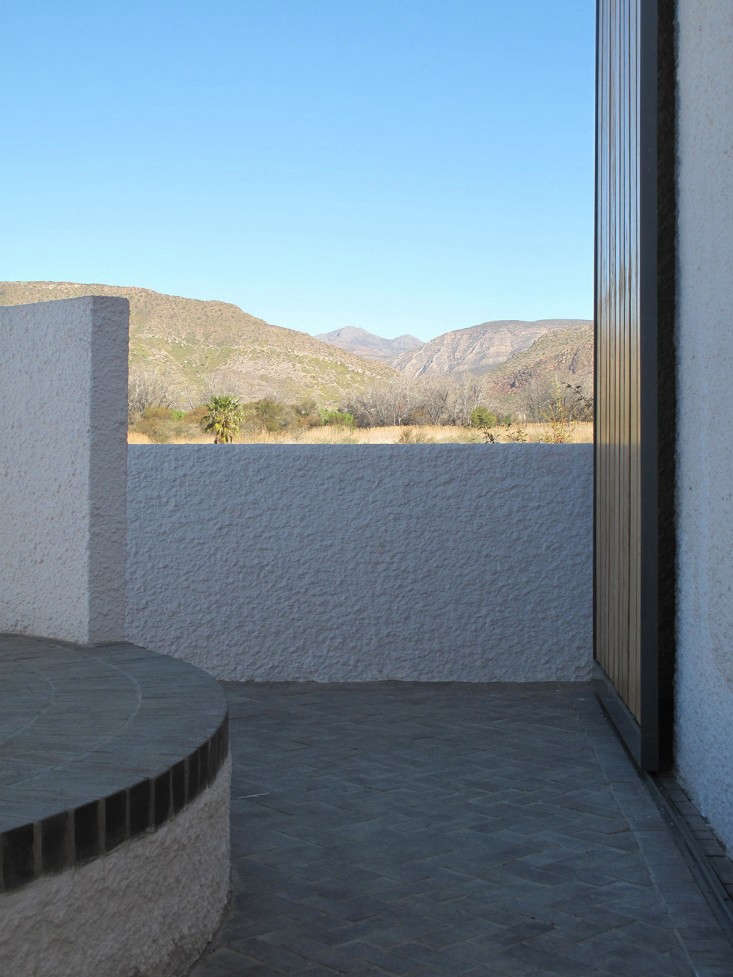 Swartberg-House-by-Openstudio-Architects-Great-Karoo-South-Africa-Remodelista-21