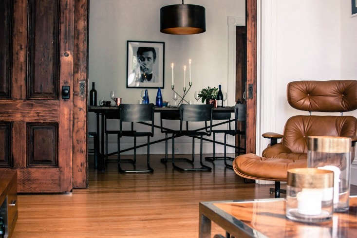 Tablescape-view-from-living-room-san-francisco-souvla-owners-lamp-Remodelista