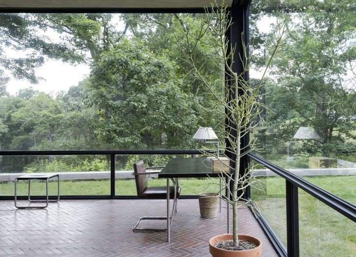The-Glass-House-Philip-Johnson-New-Canaan-Connecticut-Matthew-Williams-Remodelista-2