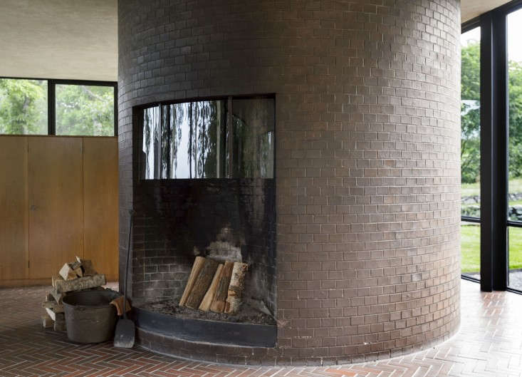 The-Glass-House-Philip-Johnson-New-Canaan-Connecticut-Matthew-Williams-Remodelista-20