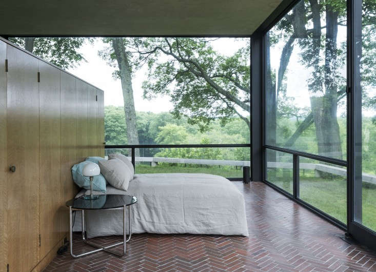 The-Glass-House-Philip-Johnson-New-Canaan-Connecticut-Matthew-Williams-Remodelista-25