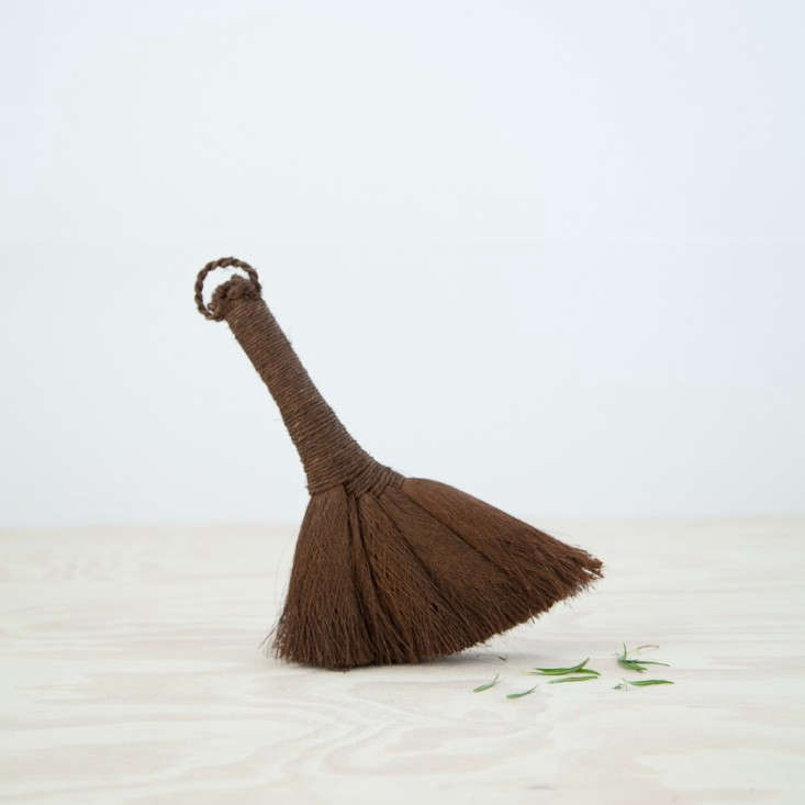 This-is-Paper-Coco-Brush-via-Remodelista