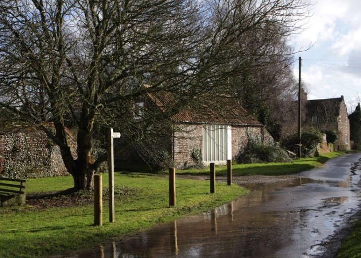 Thursford-Barn-Lynch-Architects-via-The-Modern-House-Remodelista-1
