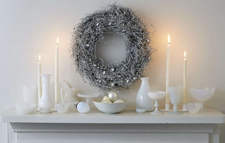 Tricia-Foley-Life-Style-Elegant-Simplicity-at-Home-Remodelista-white-wreath