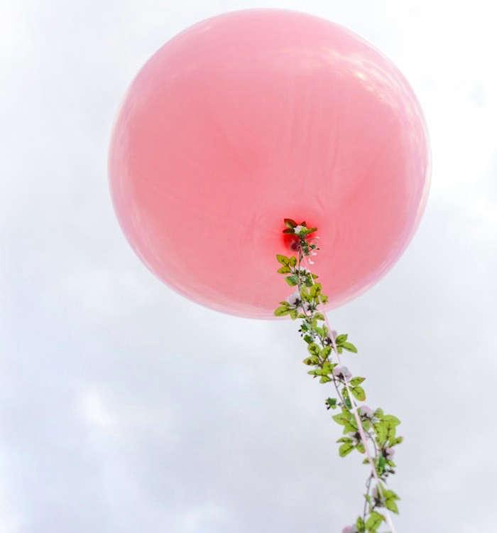 Valentines-Day-DIY-Balloon-Remodelista