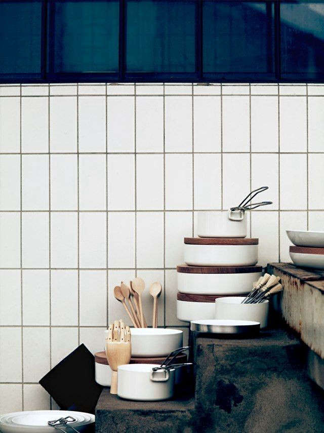 Vertically-stacked-subway-tiles-Remodelista-01