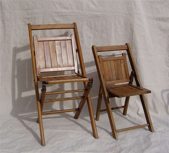 Vintage-Wood-Folding-Chairs-Steal-This-Look-Bedroom-Remodelista