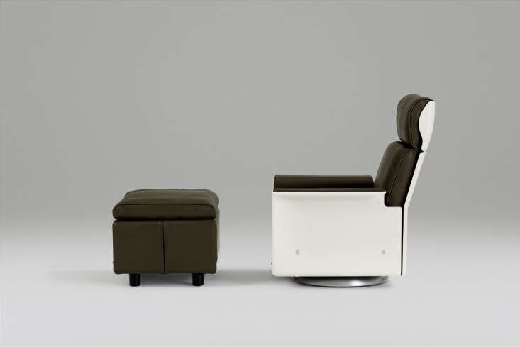 Vitsoe-Olive-Green-Lounge-Chair-Remodelista