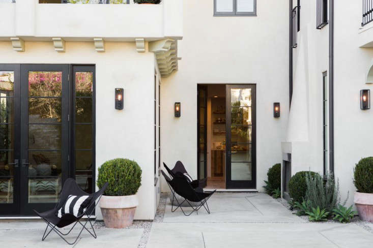 West-Hollywood-spec-house-by-Leigh-Herzig-photograph-by-Laure-Joliet-Remodelista-38