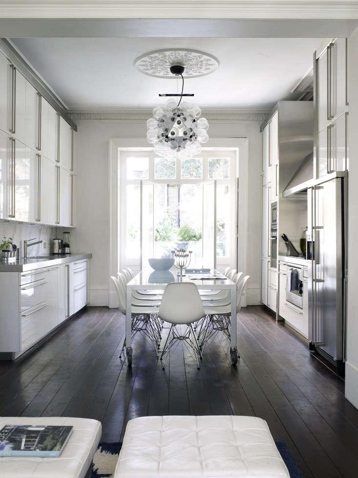 White-Eat-in-Kitchen-dark-wood-floors-Remdodelista