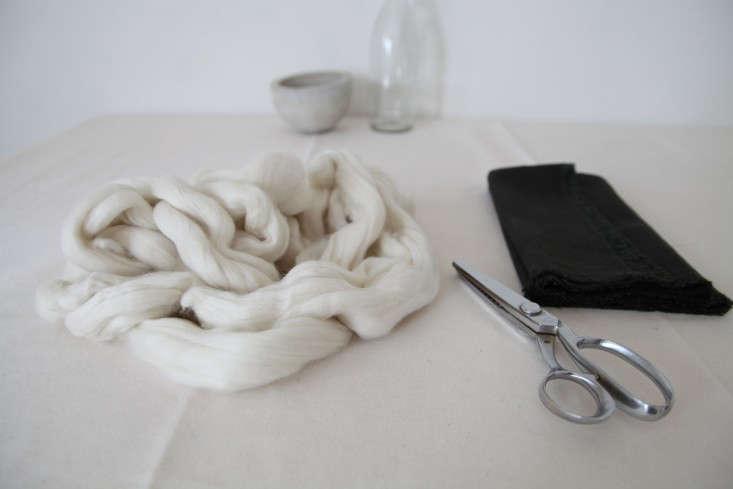Wool-Napkin-Ring-DIY-Alexa-Hotz-Remodelista-02