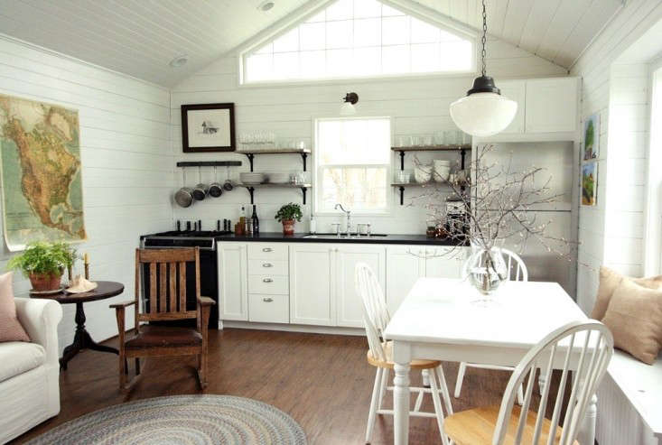Small-Space Living: A Low-Cost Cabin Kitchen For A Family