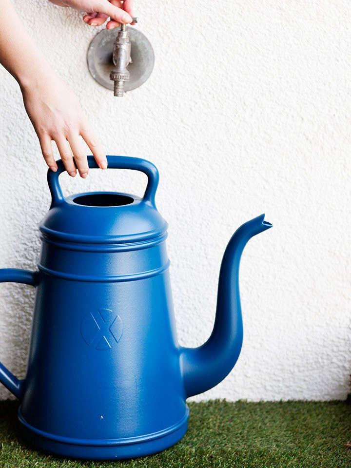 Xala-Lungo-watering-can-Remodelista-4