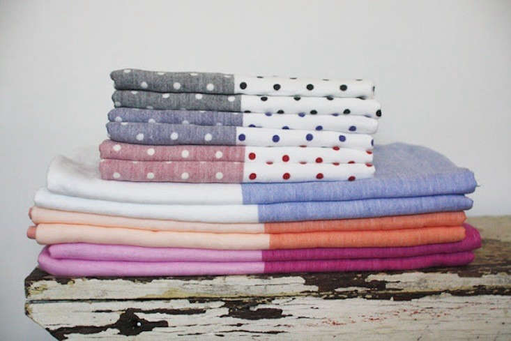 Yoshi-Two-Toned-Linen-Towels-Remodelista