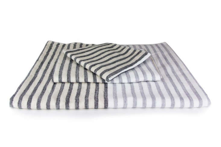 Yoshi-linen-border-towel-Rikumo-Remodelista