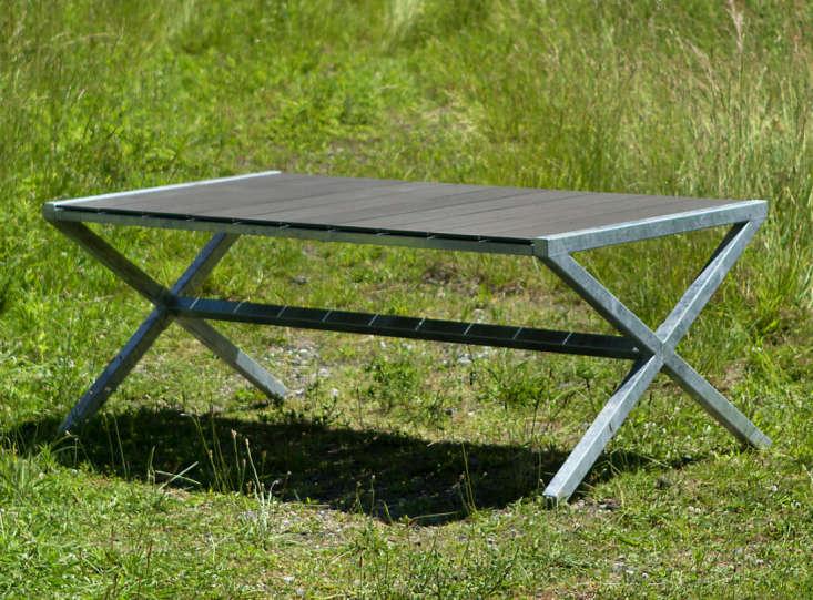 Zinc-Crossed-Leg-Table-01